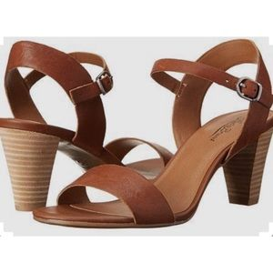 Lucky Brand tan leather size 9 sandals